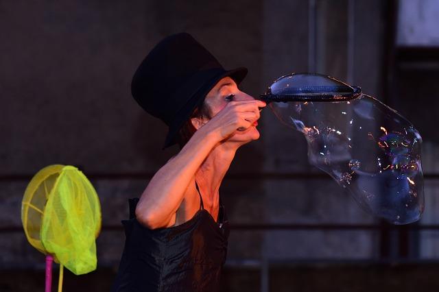 soap bubbles, show, girl